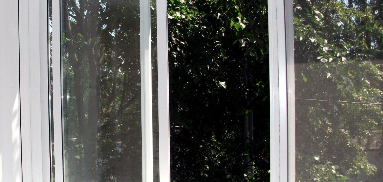 Полутеплое остекление балкона 3 метра в хрущевке профилем Slidors